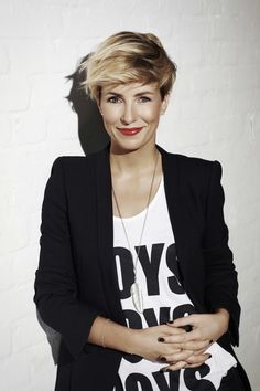 Vivacious Short Pixie Haircuts With Highlights | Hairdrome.com