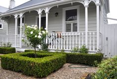 The New Zealand Villa - Laura Thomas Linens Exterior Colors, Weatherboard House, Exterior Paint, Villa, Deck Paint, House Painting, Cottage Exterior, Cottage Garden, House Paint Exterior Grey
