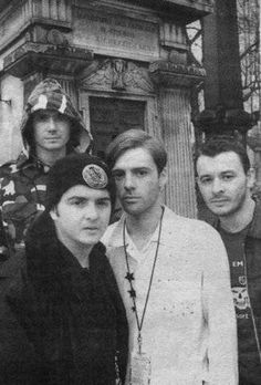 Pictures of MSP Ca. Autumn 1994 near a church or an Abbey - Forever Delayed - The Independent Manics Forum