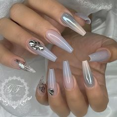 Try some of these designs and give your nails a quick makeover, gallery of unique nail art designs for any season. The best images and creative ideas for your nails. Glam Nails, Hot Nails, Fancy Nails, Bling Nails, Beauty Nails, Hair And Nails, Acrylic Nail Designs, Nail Art Designs, Acrylic Nails