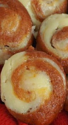 Easy Pumpkin Cheesecake Muffins Yummy Recipes, Yummy Food, Pumpkin Cheesecake Muffins, Pretzel Bites, Brunch, Tasty, Thanksgiving, Bread, Canning