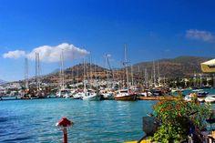 Elinde ne varsa hayata dair,ötesi hiçbir şey ya da vesair,hani demiş ya şair; Mutluluğu sende bulan senindir gerisi misafir... . . ������⛴⛴⛴������⚓️⚓️⚓️⚓️⛴ . . #bodrum #marina #turkey #canon #photo . . . . . . . #objektifimden #objektifimdenyansiyanlar #benimkadrajim #photography #photooftheday #natural #nature #naturephotography #naturelovers #nofilter #sea #sky #clouds #blue #boat #boats #travel #travelgram #travelphotography  #holiday #holidays #sun #love #smile #life…