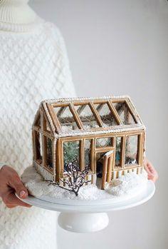 Gingerbread House Designs, Christmas Gingerbread House, Noel Christmas, Christmas Goodies, Christmas Desserts, Christmas Treats, Christmas Baking, Winter Christmas, Christmas Decorations