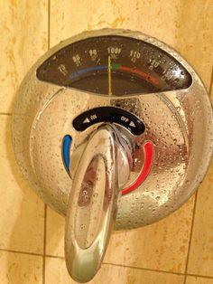 Смеситель душа со встроенным термометром