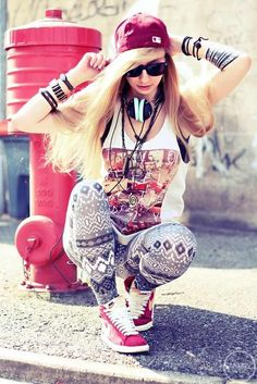 8 Teen Girls Swag Style Ideas to Rock Your Days - Femalinea Swag Style, Girls Dp, Cute Girls, Bad Girls, Mode Swag, Cartoon Girl Images, Girl With Headphones, Girl Fashion, Fashion Outfits