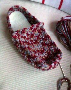 Cómo hacer unas pantuflas tejidas a mano