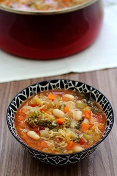 Winter Minestrone - Amandine Cooking - Here is a nice seasonal soup, minestrone! For this winter version you will find cabbage, leek, onio - Vegetarian Crockpot Recipes, Healthy Crockpot Recipes, Healthy Chicken Recipes, Healthy Dinner Recipes, Vegetarian Soup, Vegan Soup, Sausage Recipes, Cooking Recipes, Bien Entendu