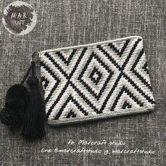 Crochet Clutch Bags, Crochet Handbags, Crochet Purses, Knitting Projects, Crochet Projects, Knitting Patterns, Tapestry Design, Tapestry Crochet, Pretty Patterns