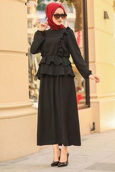 Muslim Dress, Hijab Dress, Stylish Kurtis Design, Black Hijab, Bridesmaid Dresses, Wedding Dresses, The Dress, Hijab Fashion, Nevada