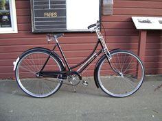 Vintage Cycles, Vintage Bikes, Look Bicycles, Bicicletas Raleigh, Raleigh Bikes, Bicycle Brands, Retro Bicycle, Used Bikes, Bikes For Sale