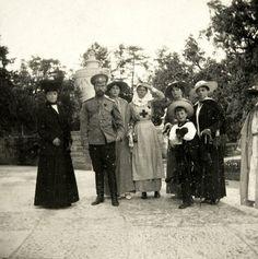 Empress Marie , Nicholas , Tatiana , GD Olga , Olga , Alexei , Xenia , Anastasia.