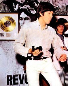 PAUL AND RINGO DURING REVOLER ALBUM PROMO 1966