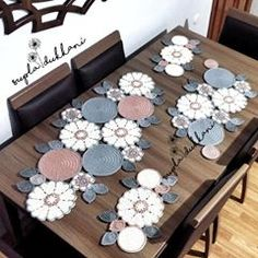 Study In Circles Crochet Motif Table Runner Pattern Embroidery Flowers Pattern, Crochet Flower Patterns, Doily Patterns, Crochet Motif, Crochet Doilies, Crochet Flowers, Crochet Stitches, Crochet Bedspread, Diy Crafts New