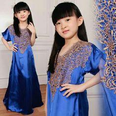 bahan velvet Sleting belakang Ld. 90cm pjg.100cm bordir tempel allsize 6-9thn ( tergantung besar anak)  #kaftan #kaftanmurah  #kaftananak #dressanak #gamisanak #busanamuslimanak  #bajumuslimanak #kidsfashion #fashionmuslim #fashionkids #ootd #ootdhijab #ootdfashion #hijabers  #gamismurah #hijabanak #jilbabanak #bergoanak