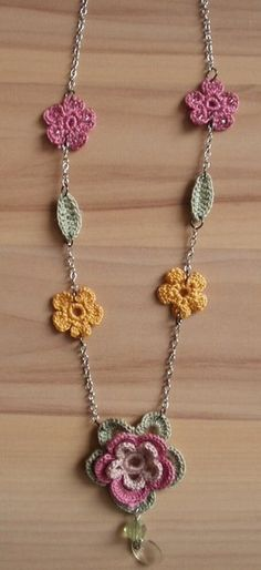 Chrochet Flower Necklace  •  Knit Or Crochet a knit or crochet necklace in under 30 minutes