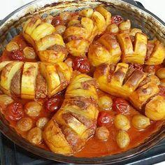 Gebackenes Fan Potato Meatball Rezept www. Meatloaf Recipes, Meatball Recipes, Turkish Recipes, Italian Recipes, Turkish Kitchen, Middle Eastern Recipes, Arabic Food, Iftar, Family Meals