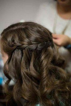 Bridesmaid hairstyle idea - half-up hairstyle for bridesmaid - curly waterfall braid Tekoa Rose Photography halfupweddinghair 617063586424345467 Indian Bridal Hairstyles, Best Wedding Hairstyles, Braided Hairstyles For Wedding, Formal Hairstyles, Gorgeous Hairstyles, Bridesmaid Hair Curly, Bridesmaid Hairstyles, Bridesmaid Makeup, Bridal Hair Half Up