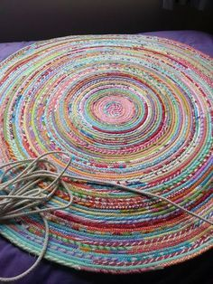Fabric and rope rug ~ tutorial                                                                                                                                                                                 More