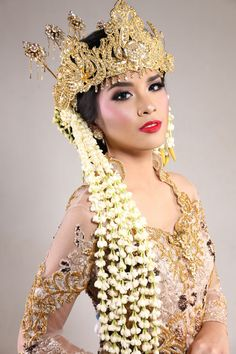 Indonesian Traditional Wedding Makeup : 1000+ images about Indonesian Wedding on Pinterest ...
