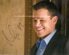 Buy this Matt Damon hand signed photo universalautographs.co.uk/matt-damon-62-p.asp