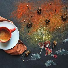 Итальянская художница Cinzia Bolognesi работает дома и рисует иллюстрации для детских книг. Как-то раз серым зимним утром Cinzia пила кофе и ее взгляд случайно упал на черную бумагу, которую она обычно использовала для защиты стола от красок, рядом с чашкой кофе рассыпался сахар, и фантазия художницы заработала. Так появилась ее первая «кофейная» картина.