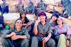 """""""A todas as mulheres curdas"""", comunicado das Unidades de Proteção do Povo (YPG)"""