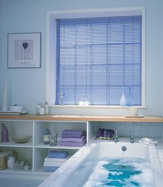 Google Image Result for http://www.blindsmart.com.au/aluminium_venetian_blinds.jpg