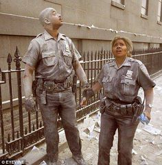 9-11 NYC Police Officers  #NeverForget #911 #Remembering911 9/11/2001