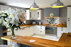 Hampton kitchen design by mccarron co httpmccarronandco an innova bedale white kitchen httpdiy kitchens solutioingenieria Gallery