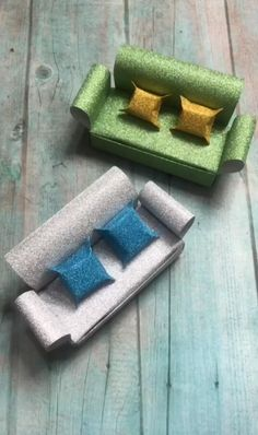 A simple tutorial to show you how to DIY paper Diy Crafts Hacks, Diy Crafts For Gifts, Diy Home Crafts, Diy Arts And Crafts, Creative Crafts, Fun Crafts, Handmade Crafts, Paper Crafts Origami, Paper Crafts For Kids