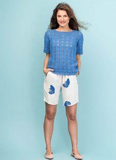Strikkeopskrift: Blå bluse med hulmønster
