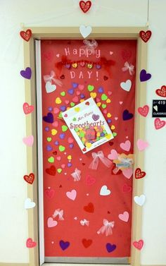 Organizing tips and decoration for kindergarten on for Decoracion de puertas de san valentin