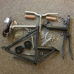 If there were such a thing as a classic folding bike, it'd have to be the Raleigh Twenty, sold from the late until the early Th. Mini Velo, Velo Vintage, Folding Bicycle, Brompton, Cool Bikes, Labs, The Twenties, Minion, Carpentry