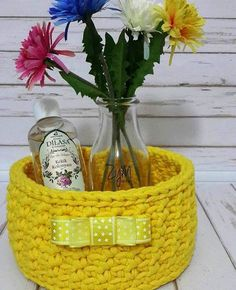 Ideas de tejido a crochet para decorar nuestro hogar Basket Decoration, Picnic, Ice, Bag, Burlap Curtains, Decorating Baskets, Crochet Rugs, Crochet Blankets, Bedspreads