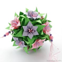 """Flowers (Hyacinth) for this tutorial Flowers: cm Leaves: cm """"Lazy"""" Electra: cm, height ~ 9 cm, tutorial Final height: ~ cm Diy And Crafts, Paper Crafts, Japanese Origami, Origami And Kirigami, Math Art, Paper Flowers Diy, 30, Quilling, Amazing Art"""