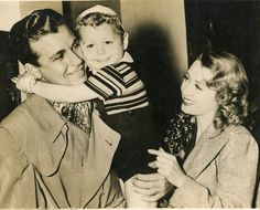 Joan Blondell, Dick Powell, and son.- a happy family at the time!