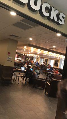 Die Starbucks in der Willy T-Bibliothek, glauben Sie nicht, dass die Größe d …. The Starbucks in the Willy T library, don't think the size. Instagram And Snapchat, Instagram Feed, Instagram Story, Plane Photography, Tumblr Photography, Starbucks, Voyant Medium, Money On My Mind, Boys Wallpaper