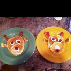Christmas day breakfast a friend made her kids...clever!