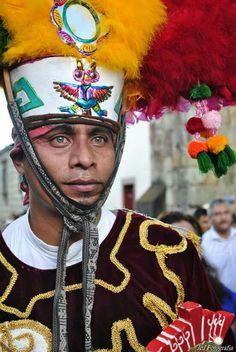 Danza de la pluma oaxaca mexico 2016. Sus ojos tienen historia detras.