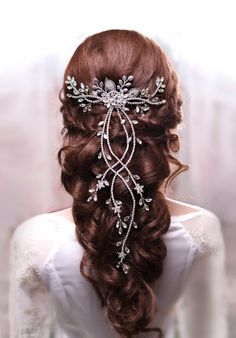 Crystal hair vine Bridal hair vine Wedding hair vine Long hair vine Crystal Chain Headpiece Bohemian Headpiece Rhinestone Hair vine - Hairstyles For All Bohemian Headpiece, Chain Headpiece, Hair Accessories For Women, Wedding Hair Accessories, Accessories Store, Leather Accessories, Fashion Accessories, Fashion Jewelry, Down Hairstyles