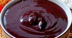 MOUSSE DE AÇAÍ Ingredientes 250g de creme de leite fresco batido  250g de polpa de açaí  2 colheres (sopa) de gelatina sem sabor  ½ xícara (chá) de água   Merengue  2 colheres (sopa) de água  6 colheres (sopa) açúcar  2 claras de ovo