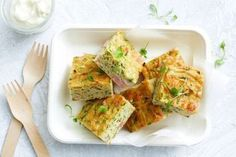 This healthy version of the family-favourite zucchini slice is loaded with quinoa, zucchini and kale, and makes a perfect vegetarian dinner or lunchbox filler. Savoury Slice, Australian Food, Aussie Food, Australian Recipes, Food Porn, Beef Stroganoff, Most Popular Recipes, Favorite Recipes, Foodblogger