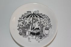Perhaps out of 4 wall plates Plates On Wall, Decorative Plates, Porcelain, Buy And Sell, Ceramics, Creative, Pattern, How To Make, Handmade