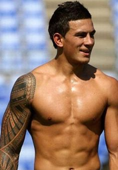 Sonny Bill Williams (born 3 August is a New Zealand rugby union player and a heavyweight boxer. See more Sonny Bill Williams pictures, news and videos here. Sonny Bill Williams Tattoo, Sonny Williams, Billy Williams, Watch Rugby, Hot Rugby Players, All Blacks Rugby, New Zealand Rugby, Raining Men, Cultura Pop