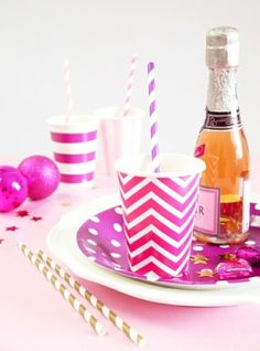 Pretty in pink BAR for the Holidays!! // Kits de fête ou boîtes prêtes pour anniversaire ou sweet tables Rose