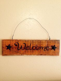 Welcome pallet sign