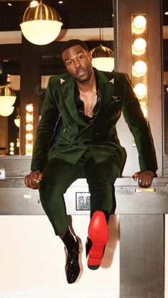 Vision of Beauty Classy Suits, Classy Men, High Fashion Men, Latest Mens Fashion, Big And Tall Style, Most Stylish Men, Handsome Black Men, Dapper Men, Well Dressed Men
