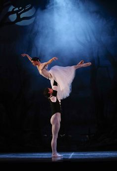 Rachael Walsh and Matthew Lawrence in Queensland Ballet's Giselle