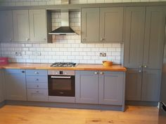 This weeks #tradeyoftheweek goes to White Tree Joinery with this fantastic installation of our Somerset Grey Kitchen! Strong, bold tones of grey painted timber make this kitchen stand out from the crowd - and combines perfectly with wood or wood effect worktops to add a touch of warmth.