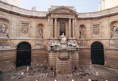 Fontaine des Quatre-Saisons, Paris, France